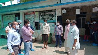 टीकाकरण अभियान में विधायक डॉ. हीरालाल अलावा द्वारा निरीक्षण व कोविड से स्वस्थ हुए 3 मरिजो का सम्मान