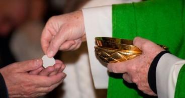 Colegios y parroquias de Cádiz celebrarán las comuniones en octubre