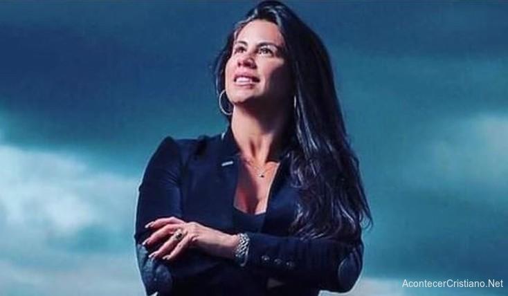 Cantante brasileña Fernanda Fé