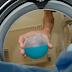 ZA SVE PRAKTIČNE DOMAĆICE: Otapa kamenac i prljavštinu iz mašine i crijeva! Da veš ponovo miriše na svježinu i čistoću! (RECEPT)
