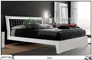 Tempat Tidur Minimalis Modern dengan Jog model jazz
