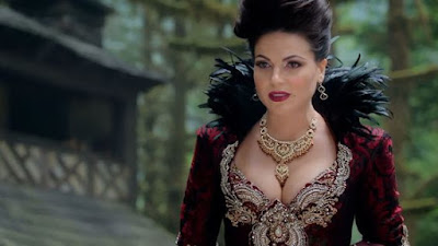 Regina (Lana Parrilla)