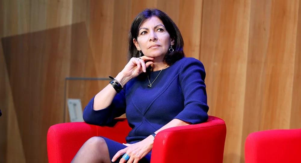 Paris : Anne Hidalgo «fait cadeau» de la facture à LREM après une campagne d'affichage illégale