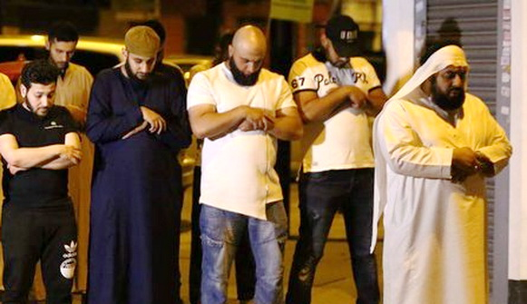 Innalillahi, Jamaah Shalat Tarawih di London Ditabrak Mobil, 1 Pelaku Dibekuk