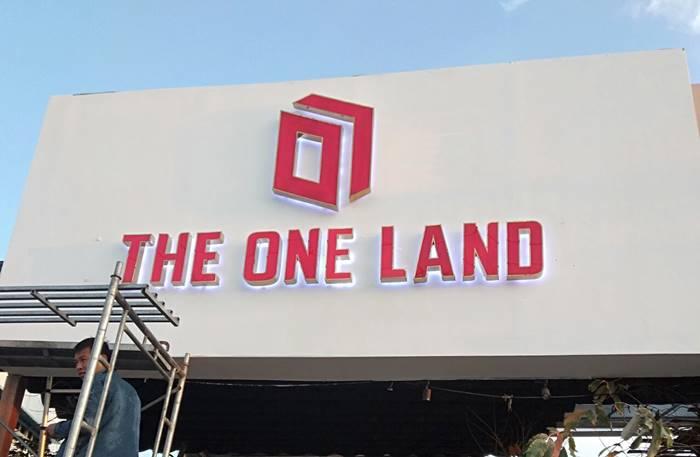 Hình ảnh thi công bảng hiệu quảng cáo The One Land Phú Quốc