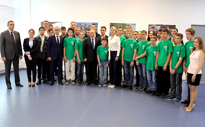 Vladimir Putin with young specialists of Kalashnikov Concern and pupils of Udmurtia schools.