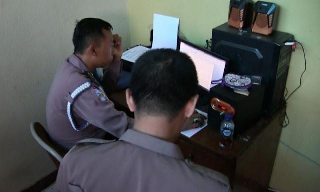 Tengah Asyik Main Judi, 4 Anggota Polisi Diciduk