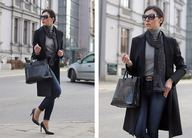 czarny trencz i jeansy