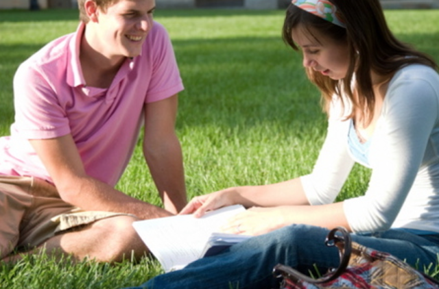 Top Ten Dating Tips For College Students