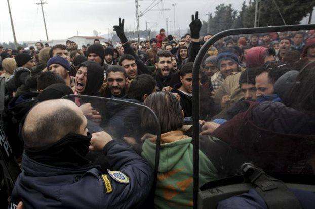 Spiegel: Απέτυχε η πολιτική της Μέρκελ στο προσφυγικό