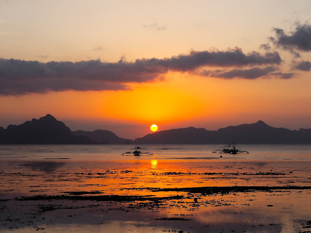 Sunset on Corong Corong beach, El Nido, Palawan, Philippines