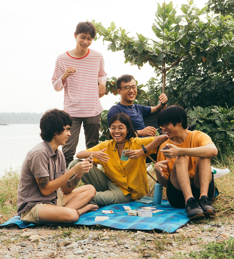 """Subsonic Eye and the tightly wound out indie noise rock cascading with dreaminess on """"Fruitcake"""""""