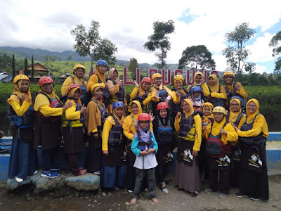 River Tubing di Kali Pucung