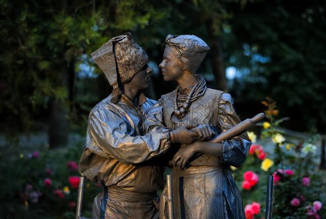 Θεαματικό το φεστιβάλ «ζωντανών αγαλμάτων» στο Βουκουρέστι