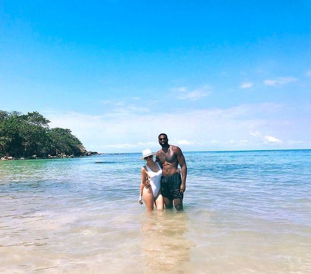 Hot Khloe Kardashian gets soaks up the sun with boyfriend Tristan Thompson 2