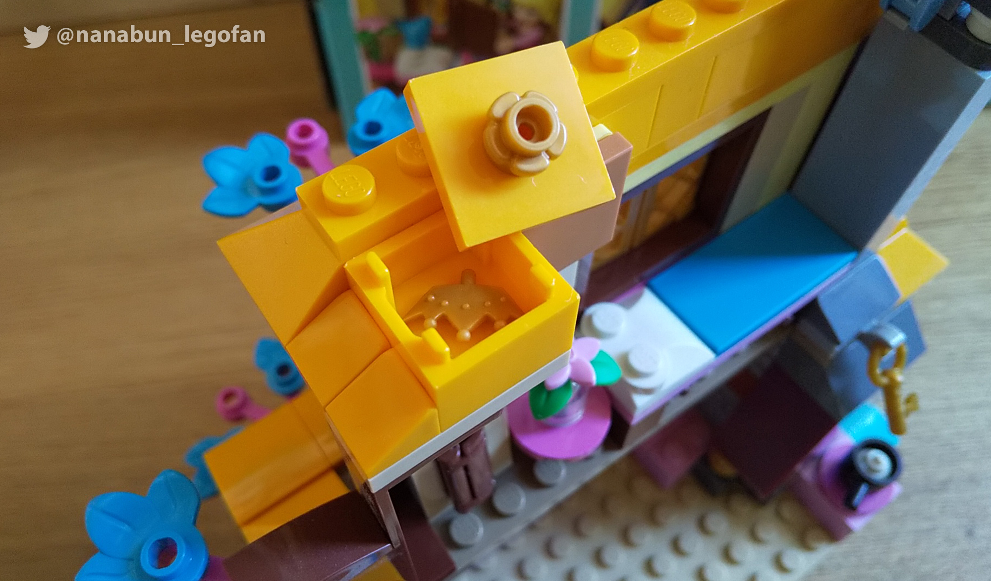 レゴ レビュー 43188ディズニープリンセス オーロラ姫の森のコテージ:MOCに使えるゴールドパーツがたくさん!