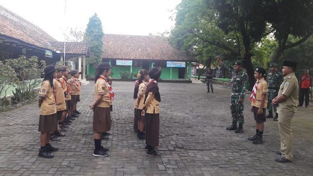 Tanamkan Disiplin, Prajurit Kostrad Latih Pramuka di Kabupaten Semarang