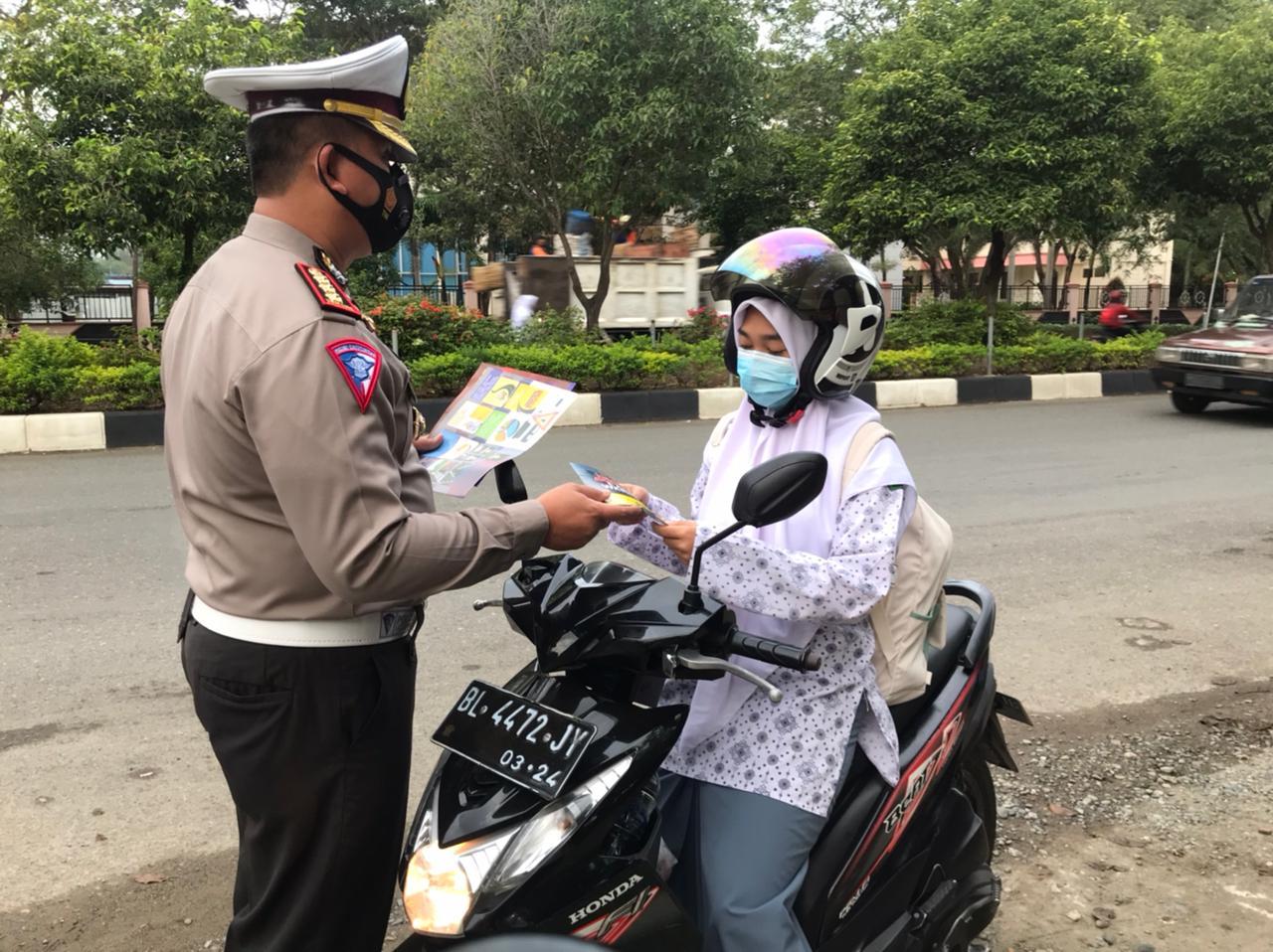 Ditlantas Polda Aceh Gelar Sosialisasi Tertib Lalu Lintas Di Sma 3 Dan Sma 4 Banda Aceh Aceh Nasional News