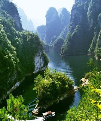 ทะเลสาบเป่าเฟิง (Baofeng Lake) @ www.zhangjiajietravelclub.com