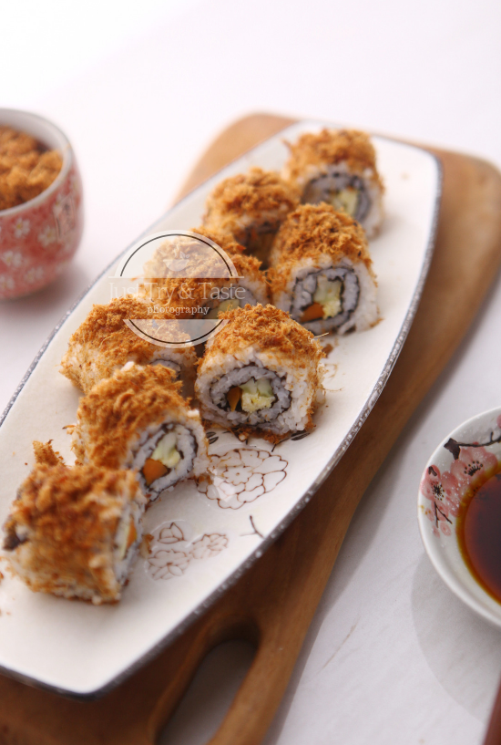 Resep Inside Out Sushi dengan Abon