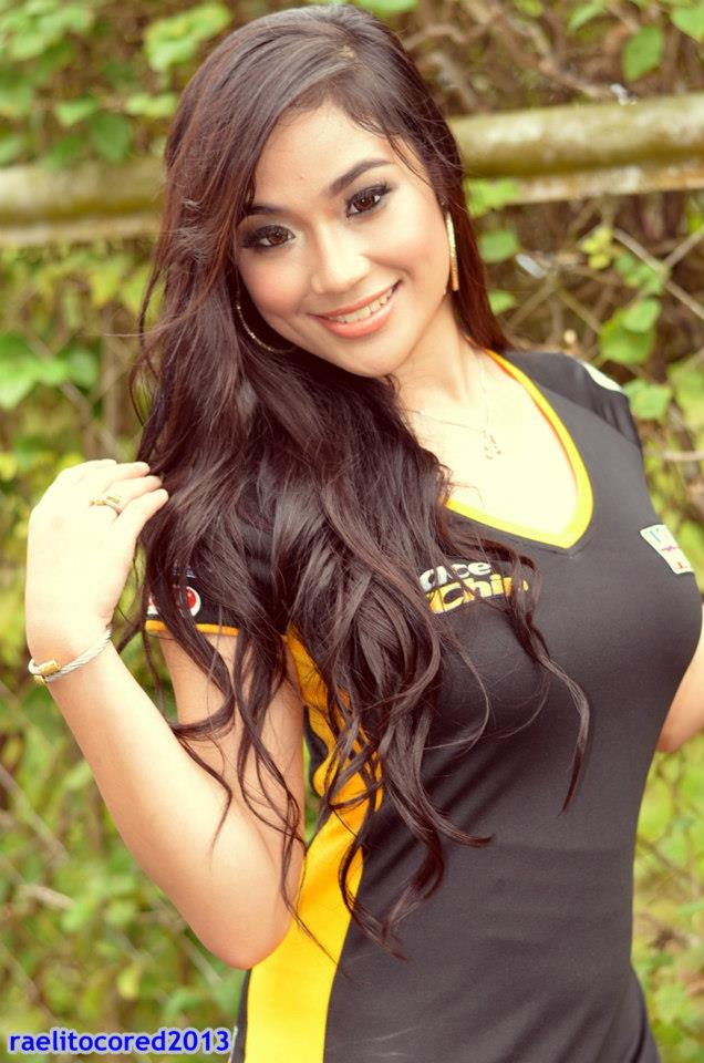The Iskandaloso Group - Filipina Beauties: Alyzza Agustin