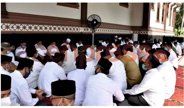 Mengenang 1 Tahun H.Saifunnur : Gelar Doa Bersama dan Santuni 300 Yatim Piatu
