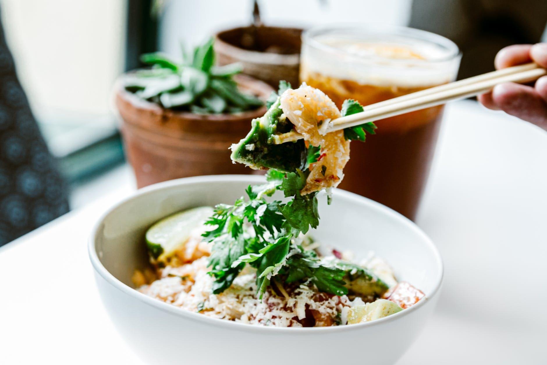 How to make a shrimp cocktail salad
