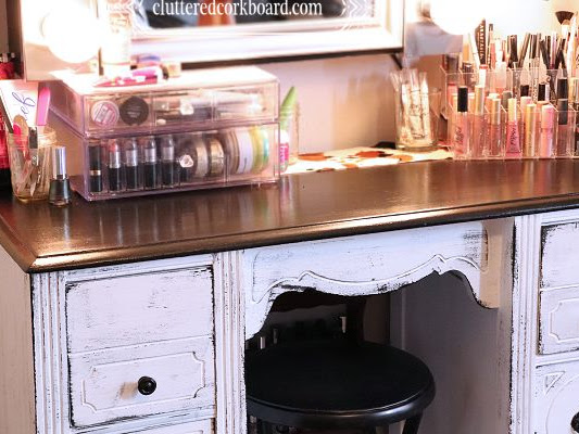 5 tips for an Organized Makeup Vanity