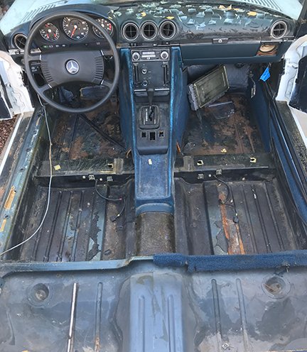 Mercedes-Benz W123 and R107 DIY: Mercedes 450SL Interior Removed ...