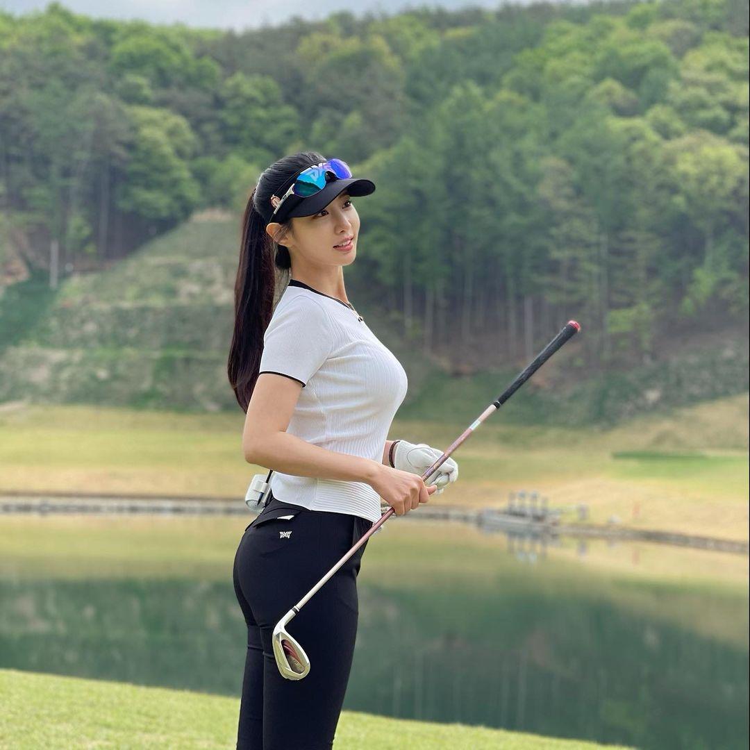 골프에 빠진 조현 - 꾸르