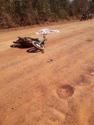 Motociclista é encontrado morto numa estrada rural em MT