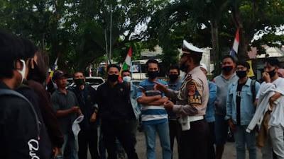 Kasat Lantas Polres Indramayu AKP Bambang Sumitro, Pimpin Dikmas Lantas kepada Masyarakat
