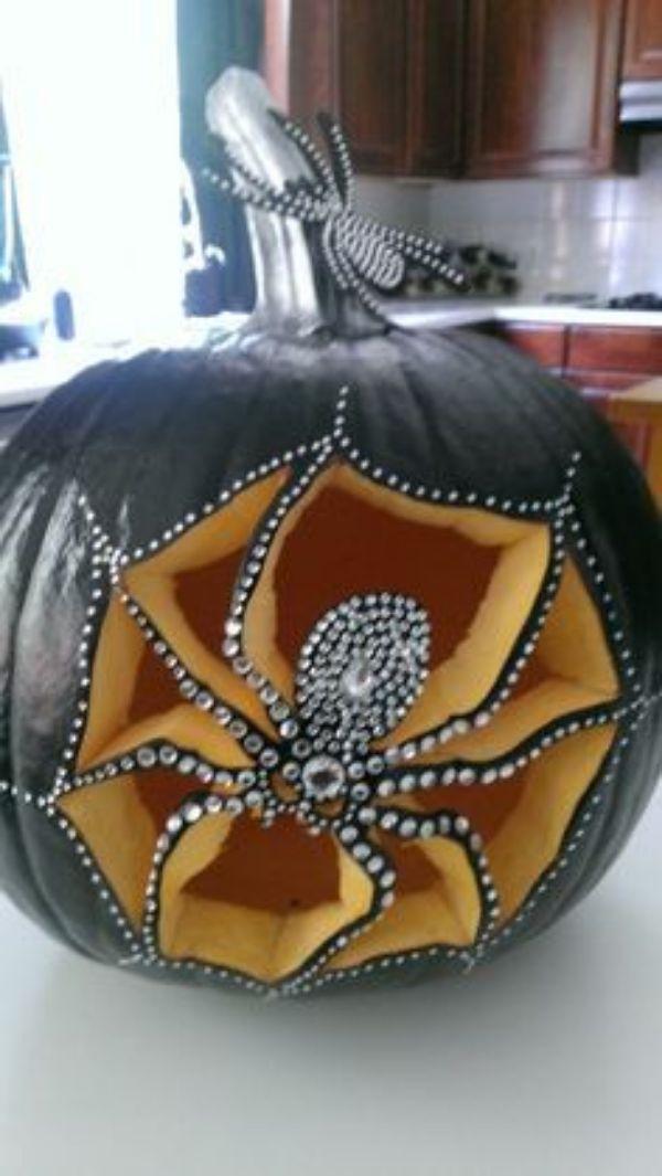 Cool Pumpkin carving - Spider