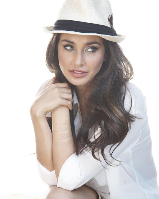 Lisa Rani Ray  (Indian Actress) Wiki, Age, Height, Family, Career, Awards, and Many More...
