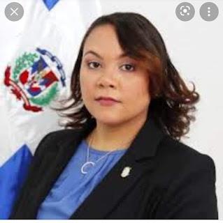 Diputada del PRM por Azua se queja no ha podido ver al presidente para pedir por su provincia de Azua.