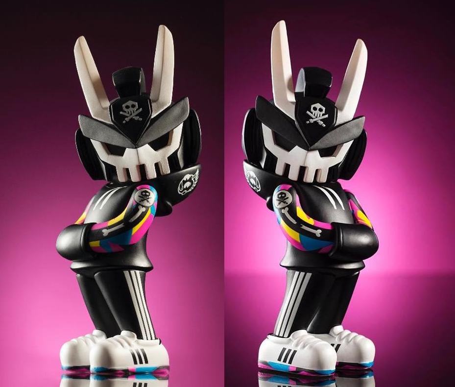 Kidrobot Exclusive TEQ63 Titan Art Figure 6 inches By QUICCS NEW LE200