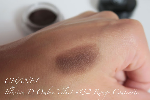 Chanel Illusion D'Ombre Velvet 132 Rouge Contraste swatch