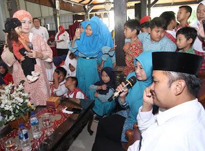 http://www.topfm951.net/2019/07/ria-enes-susan-hibur-anak-anak-brebes.html#more