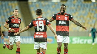 Flamengo vence o Boavista e garante a primeira colocação geral do Campeonato Carioca; Botafogo empata com a Portuguesa e avança para semifinais