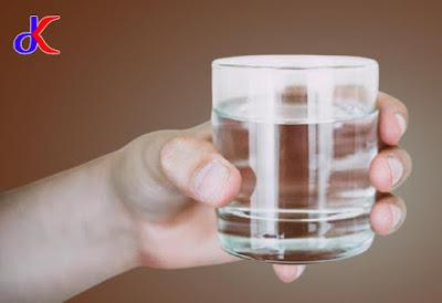 Air putih hangat - Manfaatnya bagi Kesehatan | Bagian 1