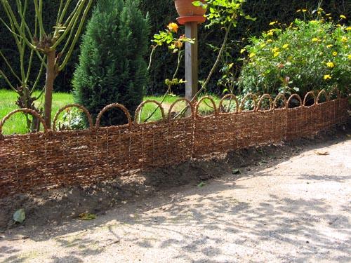 blog de jardinage quelle bordure de jardin opter. Black Bedroom Furniture Sets. Home Design Ideas