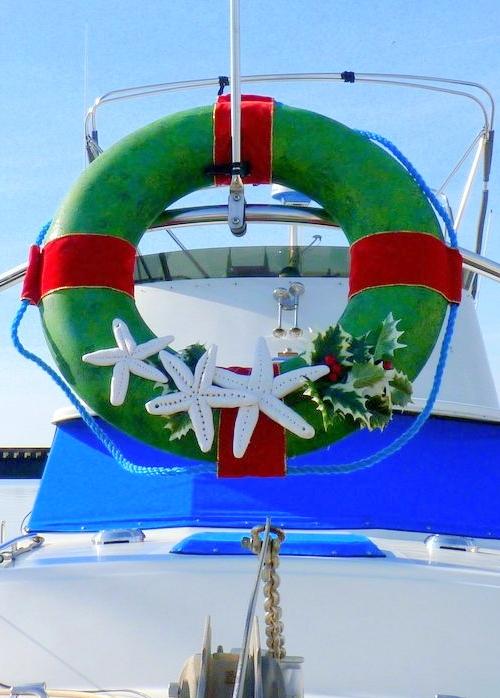 Outdoor Nautical Life Preserver Christmas Wreath Idea