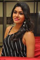 Akshida in Black Tank Top at Kalamandir Foundation 7th anniversary Celebrations ~  Actress Galleries 111.JPG