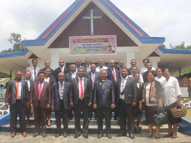 Herry Naap Dilantik Jadi Ketua Panitia Hari Raya Gerejawi Klasis Biak Selatan - #PapuaUS - Papua ...