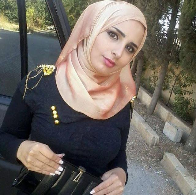 بنات كثيرون يستعملون تطبيق واتس اب بالسعودية والزواج بها