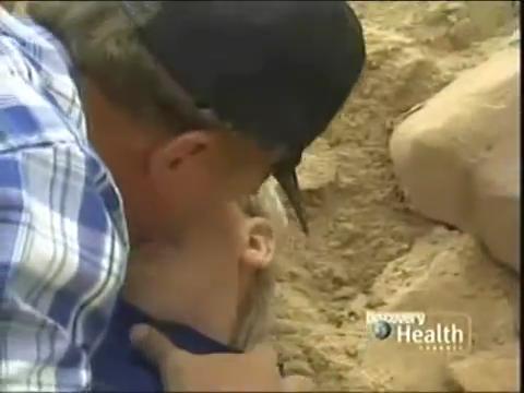 CPR Kids: Rescue 911 (USA) Boy vs Soil Collapse