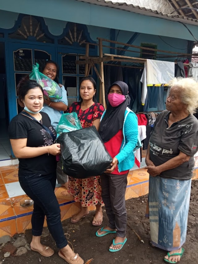 Pengusaha Perempuan Juga Ikut Membantu Korban Banjir