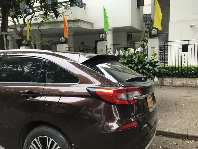 Xế lạ của Honda bất ngờ xuất hiện trên đường phố Hà Nội: 5 chỗ ngồi, 'đàn anh' của CR-V