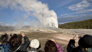 Woman falls in a thermal facility in Yellowstone National Park closed due to coronovirus