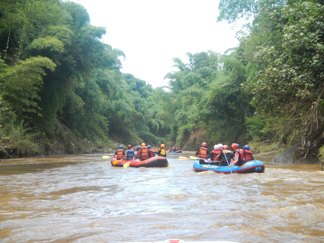 Arung Jeram Sungai Cimanuk